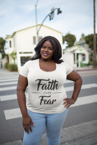 plus-size-t-shirt-mockup-featuring-a-woman-on-a-venice-beach-street-18298